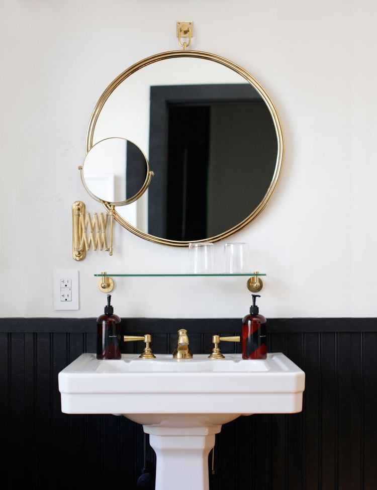 round bathroom mirror, one of 2016\'s hottest bathroom decor trends ...