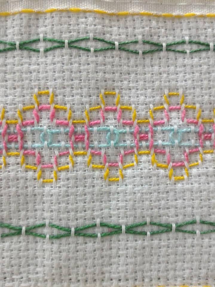 Pin de Marsha Burgener en Swedish Weaving and Huck Embroidery en ...