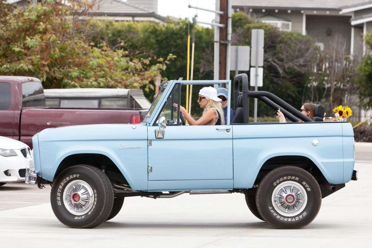Lady Gaga Driving Her Classic Ford Bronco Out In Malibu 08 Ford Bronco Classic Ford Broncos Ford Classic Cars