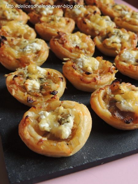 tartelettes aux oignons caramelises et chevre frais food quiches and tapas. Black Bedroom Furniture Sets. Home Design Ideas