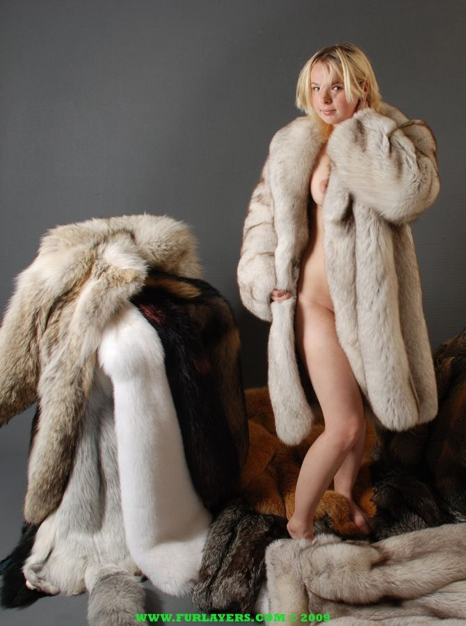 Can fucking in fur coat fetish