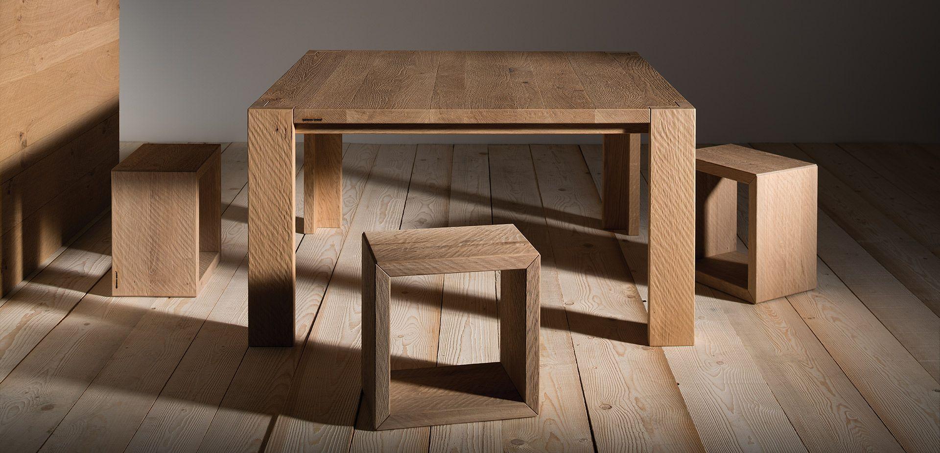 Tavolo quadrato in legno massello Tavoli quadrati