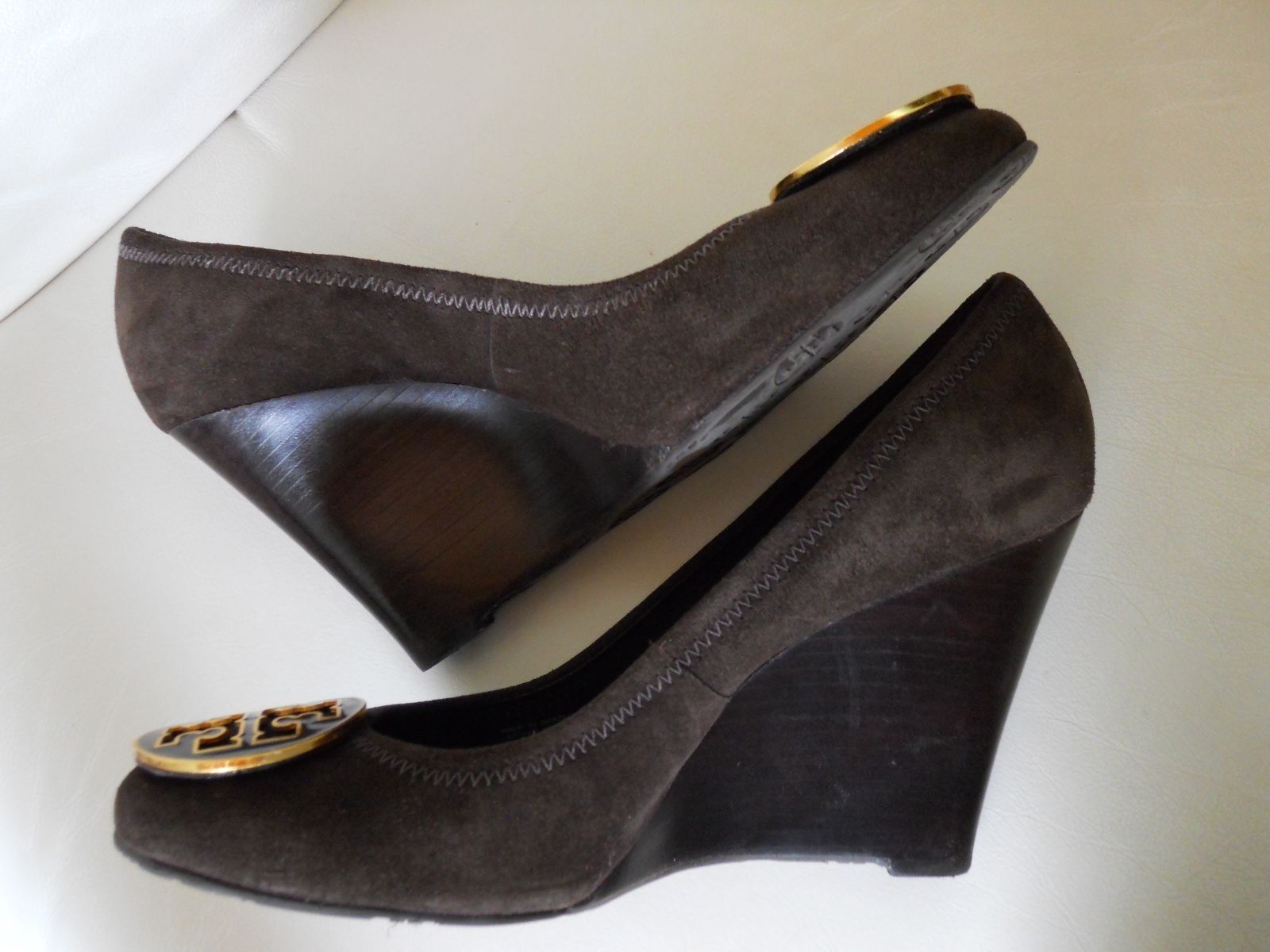 f1c4f09c591113 Tory Burch Sophie Wedge Heel Shoes Brown Suede Women s Sz.9.5 ...