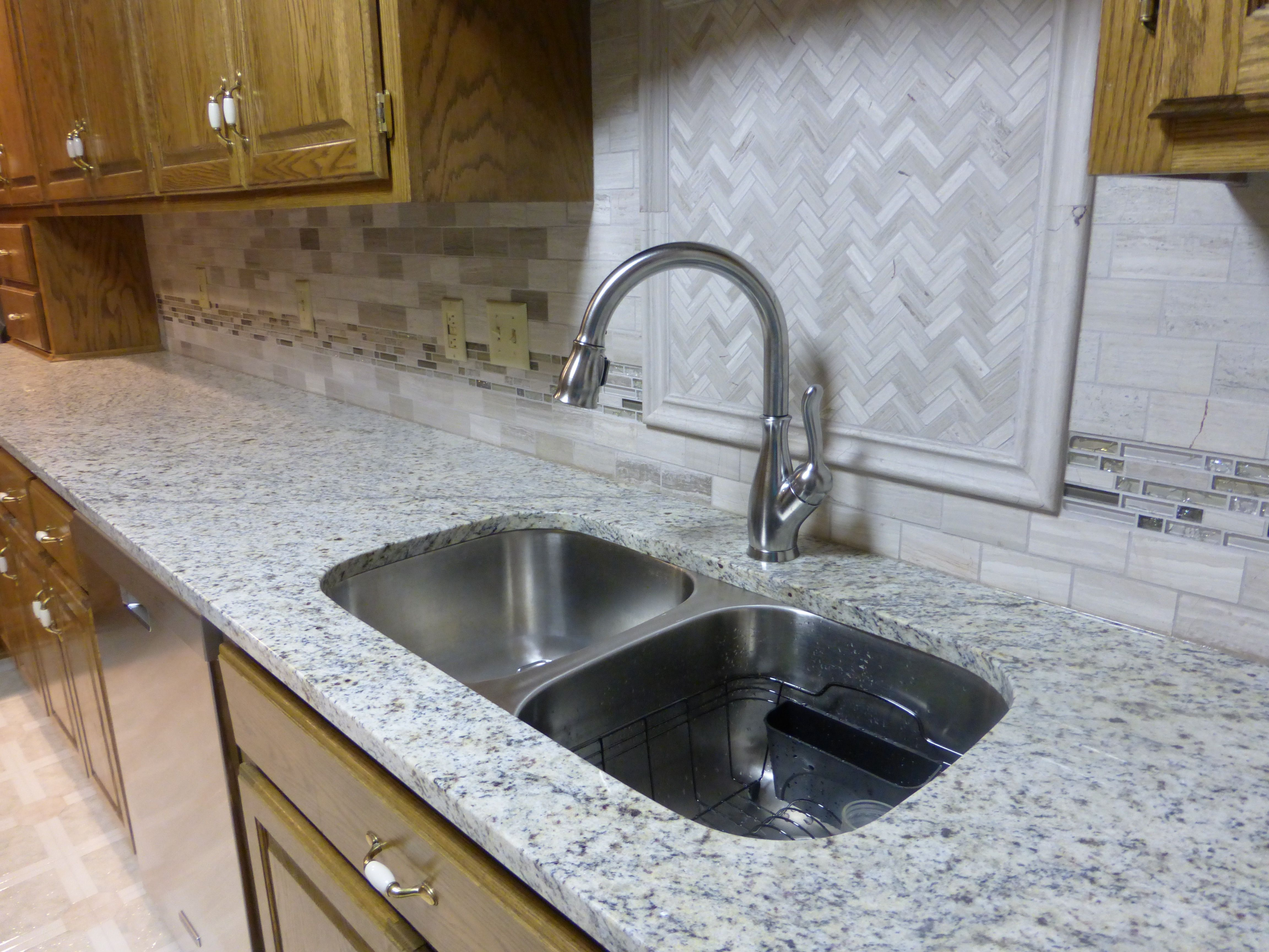 15 0659 Dallas White Kitchen Tops Granite Sandstone Countertops