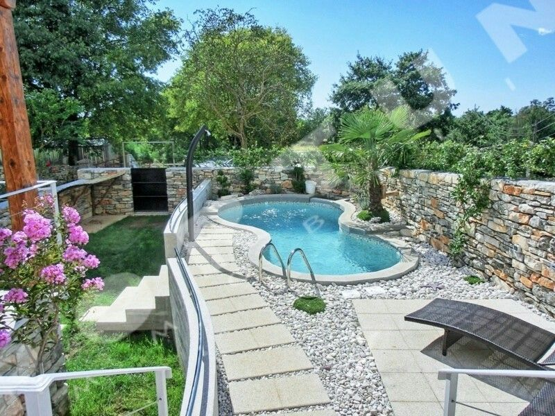 http://www.realestatecroatiaistria.com/svetvincenat-real-estate-croatia-istria-houses-villas-20343.aspx