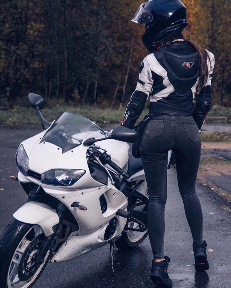 chicas con moto
