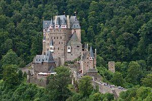 Burg Eltz Wikipedia Deutschland Burgen Burg Mittelalterliche Burg