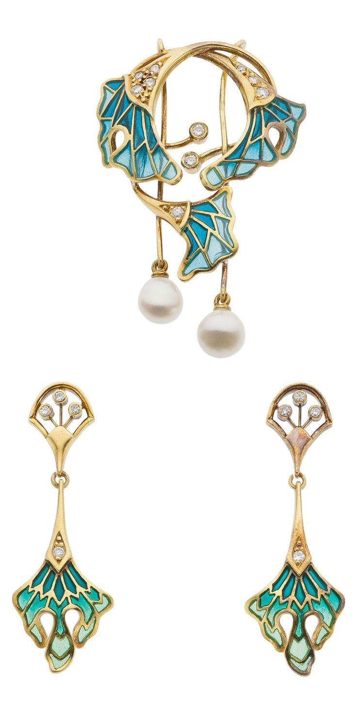 Diamond, Plique-a-Jour Enamel, Gold Jewelry Suite The suite includes a brooch and a matching pair of earrings featuring full-cut diamonds that weigh a total of approximately 0.25 carat, enhanced by enamel, set in 18k gold, marked Spain. Art Nouveau style.