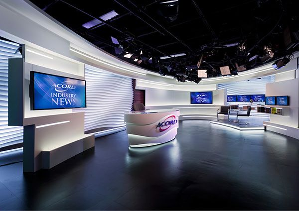 Estudio de TV moderno vista completa