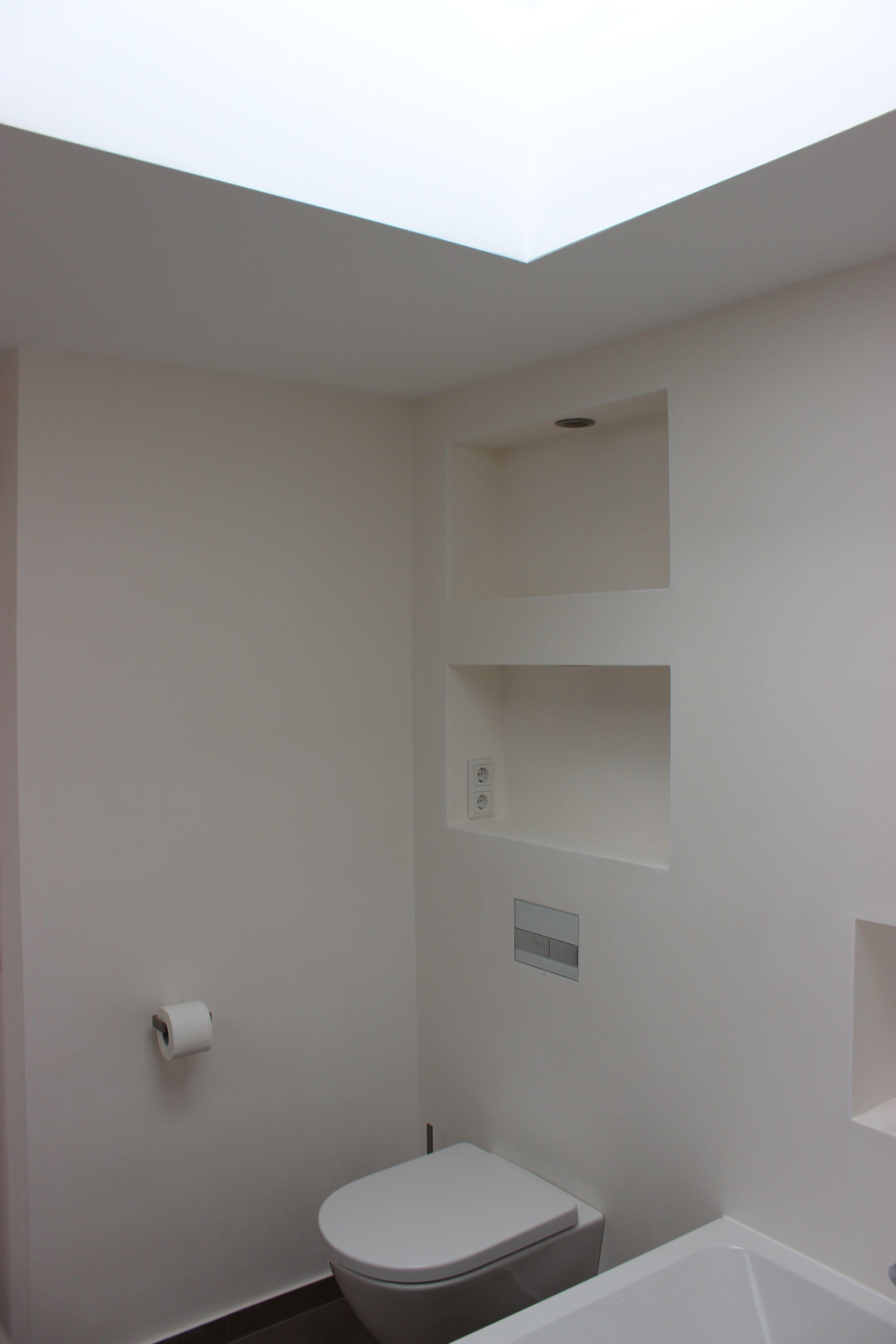 Modernes Zeitloses Bad Mit Praktische Nischen, Fliesen In Betonoptik Farbe  Mokka, Wände Stucco Feinspachtel