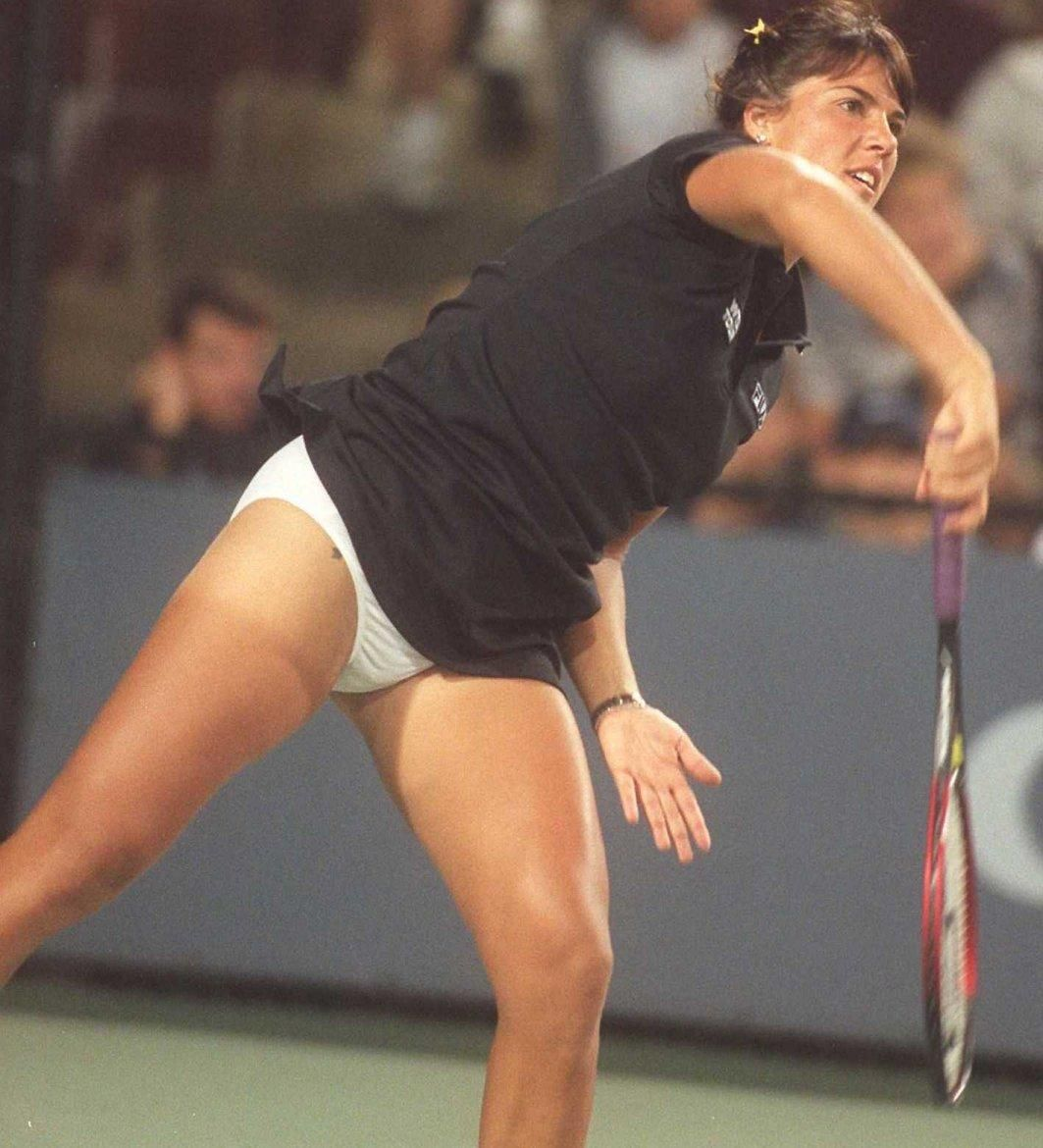 Jennifer Capriati In Action Jennifer Upskirt Photo - A-9702