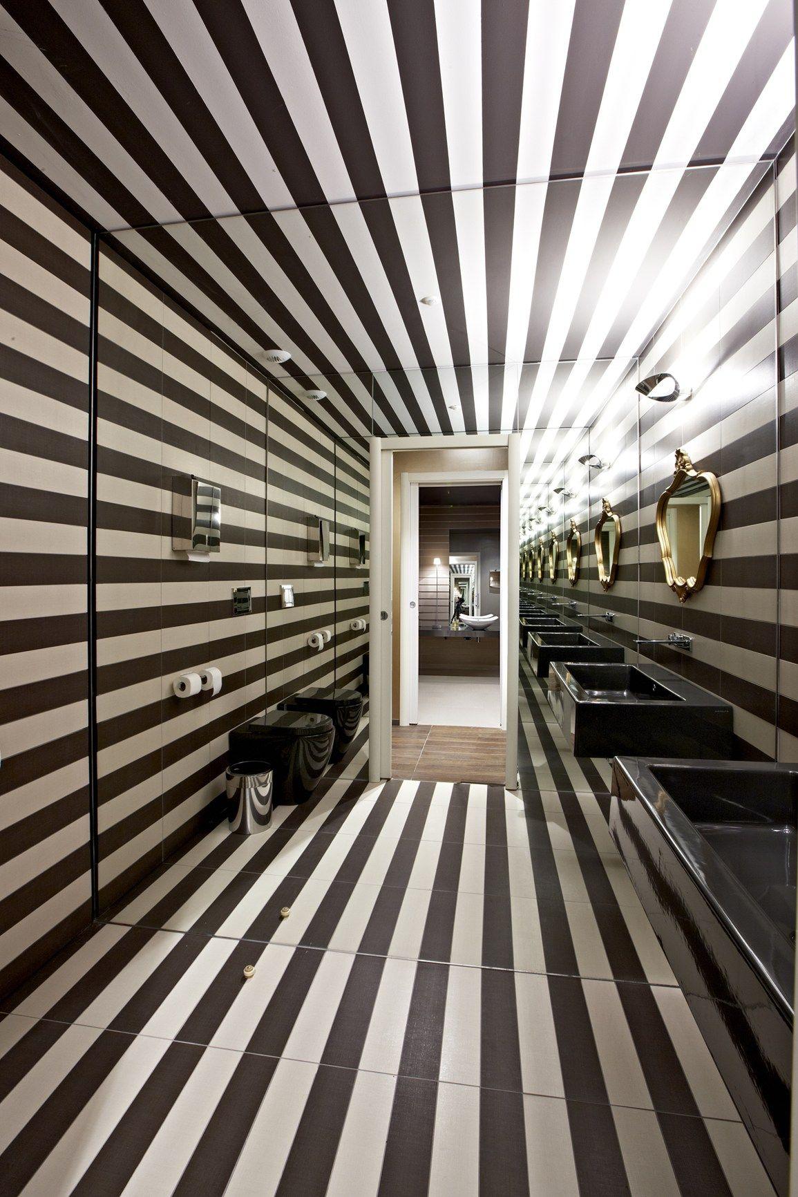 caroscope a saint vallier sur rh ne il nuovo spazio novoceram una grande galleria vetrata. Black Bedroom Furniture Sets. Home Design Ideas