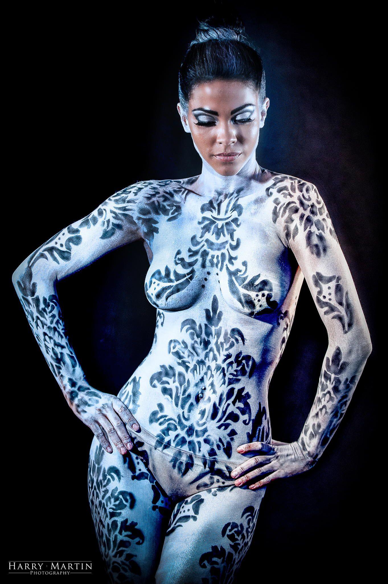 Andrea martins body paint