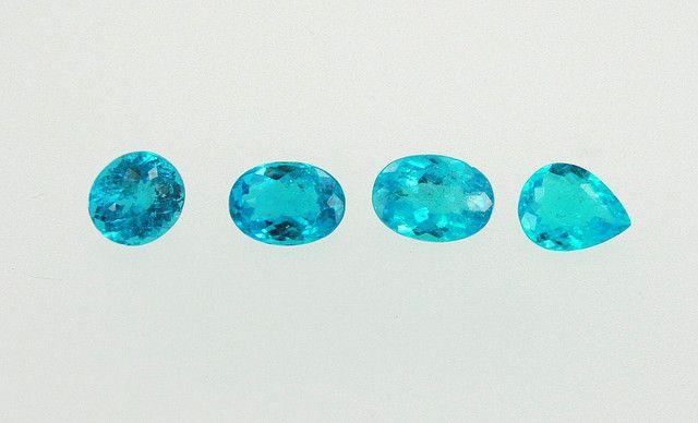 Tourmaline from São José da Batalha, Paraiba state - Brazil. This is the best color of Paraibas (neon blue).    --  Photograph: Anfilófio L Bastos     http://phongthuyvadoisong.com/  http://phongthuyvadoisong.com/451/San-Pham/Garnet-ganet-ngoc-hong-luu.htm