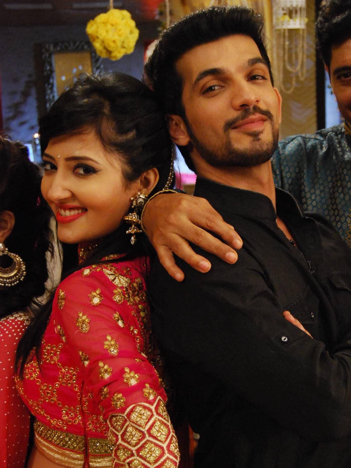 Nagin 2 Mouni Roy Karanvir Bohra Adaa Khan Colors Tv Serial