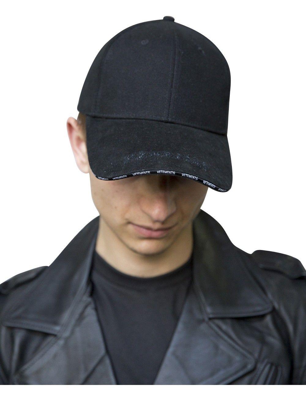 e142e5ec6fb VETEMENTS BLACK CAP.  vetements