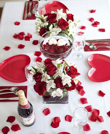 15 Centros De Mesa Con Velas Para Tu Cena De San Valentin Mesas De Cena Romanticas Centro De Mesa Con Velas Decoracion Romantica