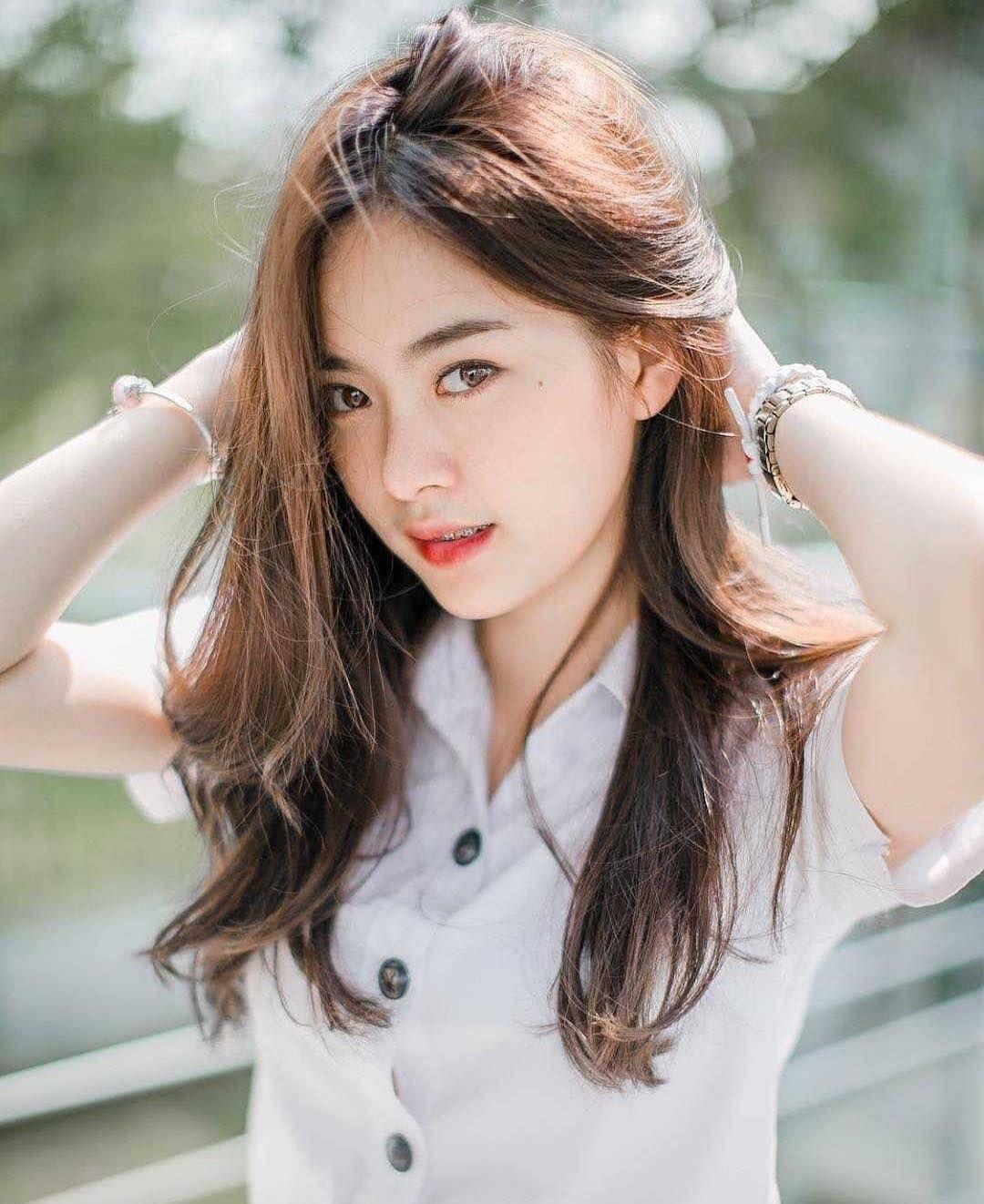 ฝากกดติดตามด้วยคะ 💕 . . . . . . . . . . . . . #แคปชั่น #แคปชั่นอ่อย  #นักศึกษา #นักเรียน #สวยมาก #tiktokthailand #สาว #มหาลัย #น่ารัก…    เพศหญิง, นางแบบ, แฟชั่นสาวๆ