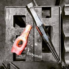 """dirtysmith: """" So if you don't know, I'm here in #halfmoonbay taking a week long tool making class with Tim Cisneros. My learning curve has gone vertical. Great guy and this class has been the best. #blacksmith #blacksmithing #DirtySmith..."""