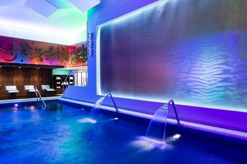 Al faisaliah hotel riyadh saudi arabia - Hotels in riyadh with swimming pools ...