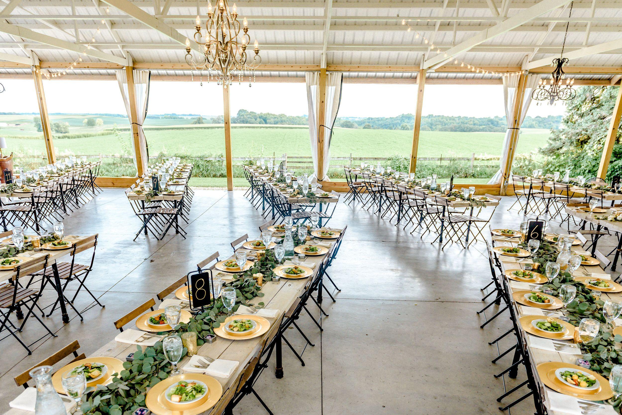 Reception Decor Table Layout Design 2019 Wedding Trends Simple Reception Decor Eucalyptus Garlands Rustic Garden Wedding Rustic Gardens Mn Wedding Venues