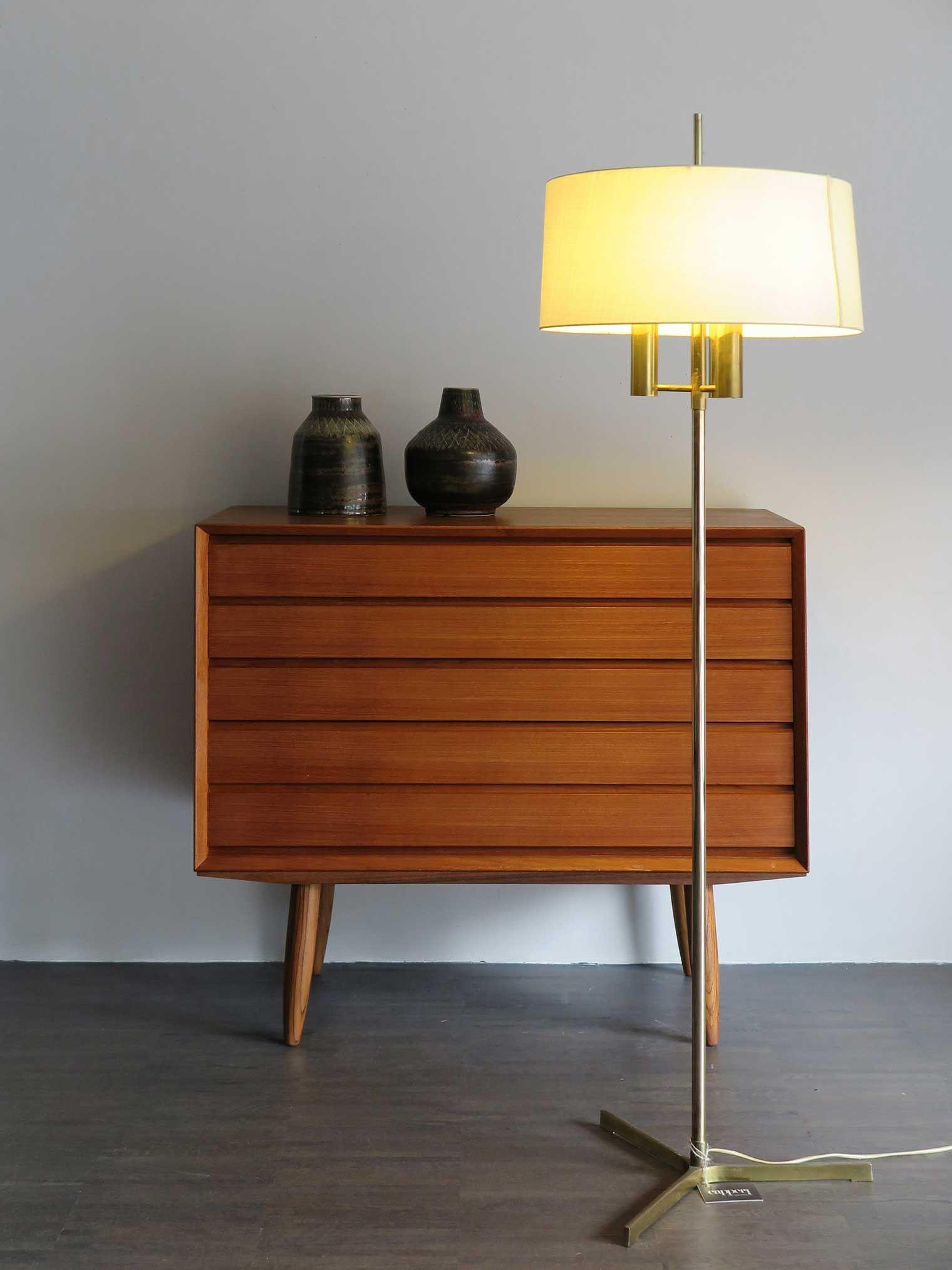 Design Scandinavo Anni 50 cassettiera danese in teak, anni 60 - lampada danese
