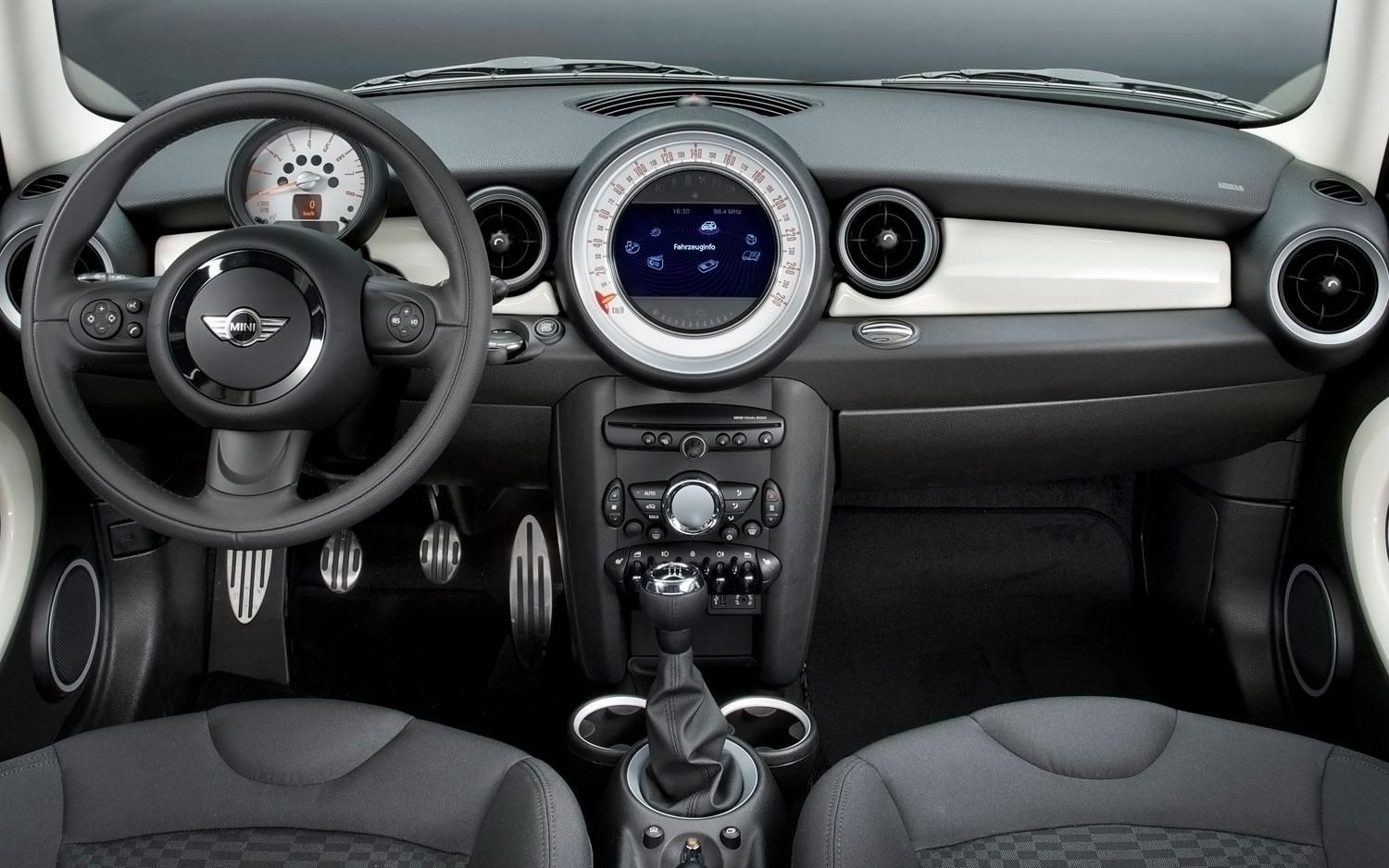 2019 Mini Cooper News Reviews Msrp Ratings With Amazing Images In Countryman