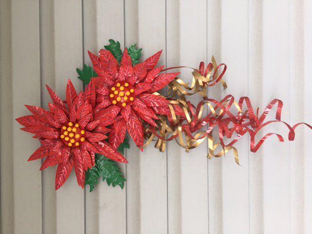 Aluminum Can Poinsettia Art Door Hanging Aluminum Can Flowers Tin Can Art Pop Can Crafts