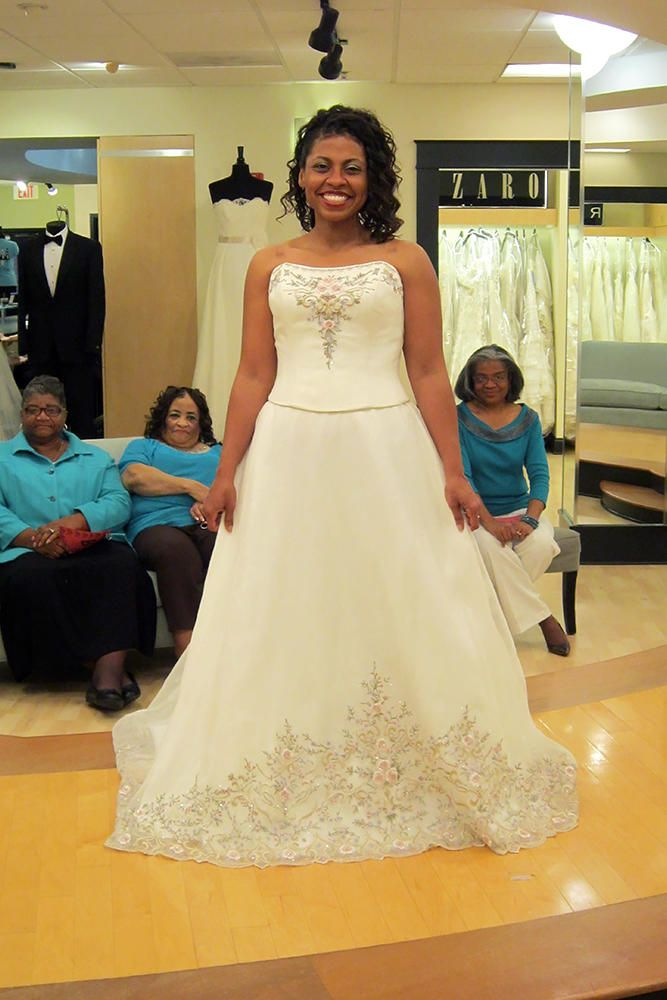 Syttd Shaundalyn Season 6 Does Anyone Know Who This Dress Is By Http Www Tlc Com Tv Shows Say Yes To The Dres Pretty Wedding Dresses Dresses Dress Picture
