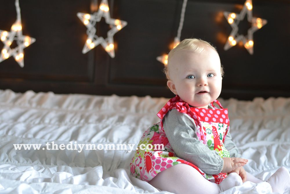 DIY Christmas Photo Backdrop With Twinkle Lights By The Mommy
