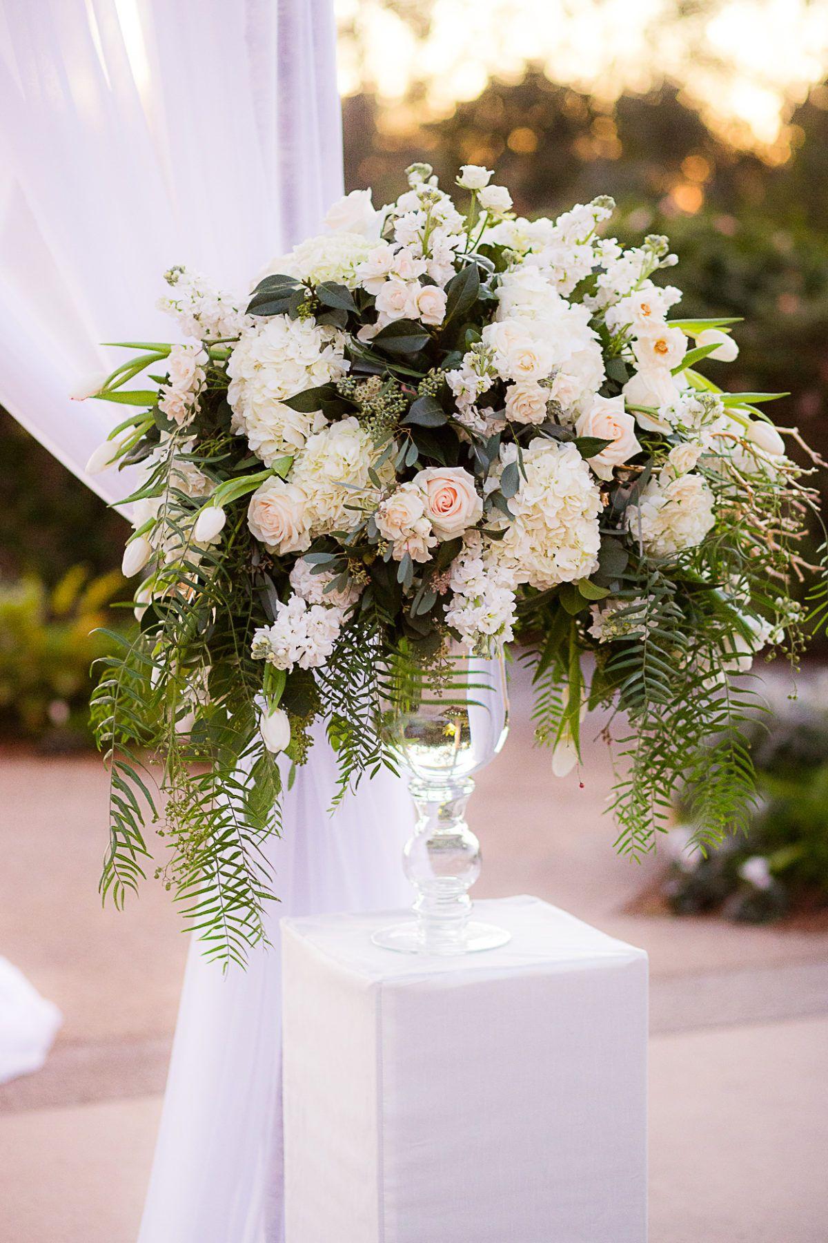 Elegant New Year's Eve Wedding in 2020 California