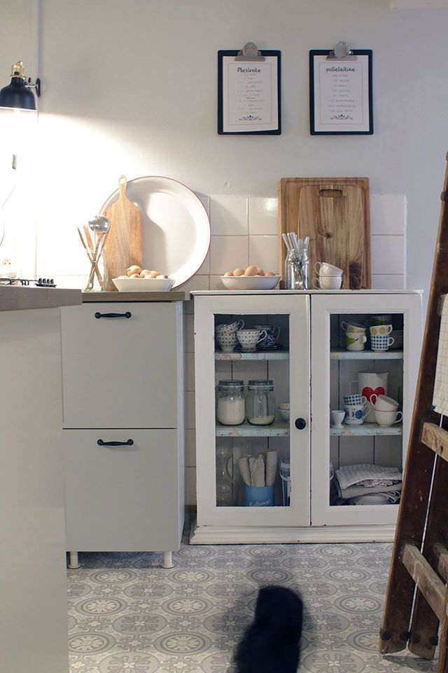 Small windowless rental kitchen makeover. | Preppy Continental - My ...