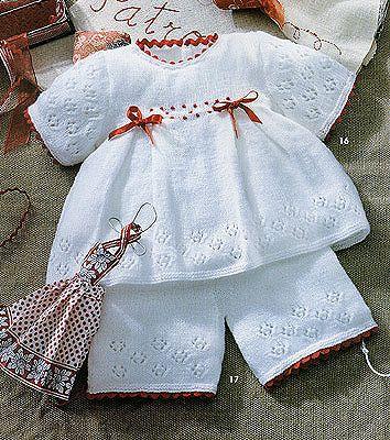 Вязать костюмы для малышей до года