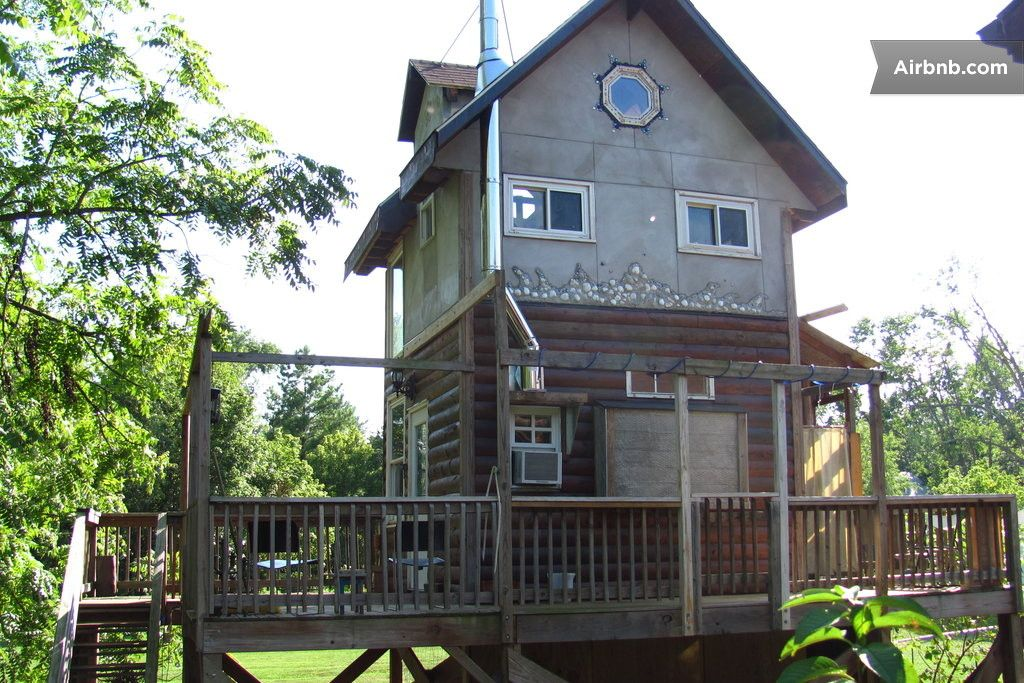 Treehouse On Stilts In Charlottesville Tiny Houses For