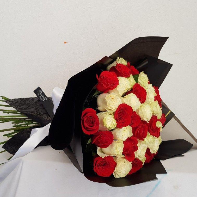Pin De Passion De Roses En Ramo De Rosas Rojas Ramo De Rosas Rojas Ramos De Flores Ramo De Rosas