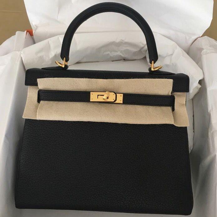 82c275cd857b Hermès Kelly 25 Noir (Black) Togo Gold Hardware GHW C Stamp 2018  kelly25