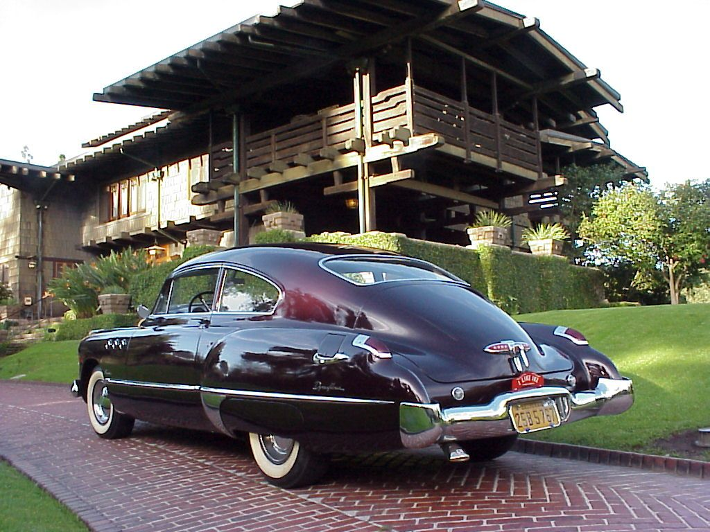 i think this is a 49 buick roadmaster-i saw these running around ...