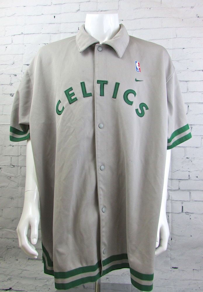 premium selection 0ccd9 6f237 Men's Vintage NBA Boston Celtics Button Up Warm Up Jersey ...