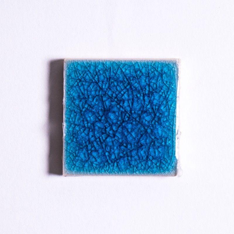 Die Glasuren aus Pigmenten, Salzen und Erden werden