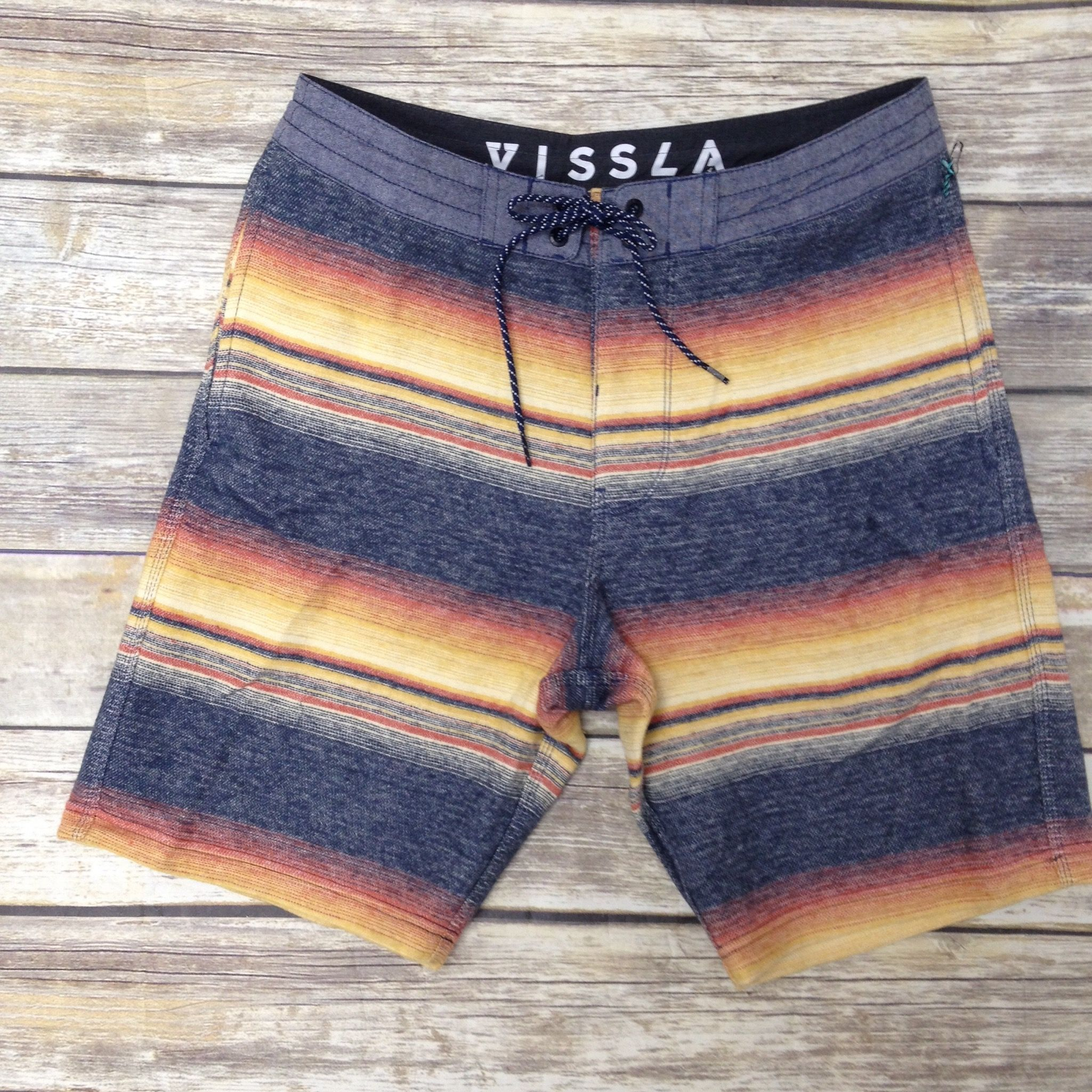 The New Vissla Sofa Surfers Designs Are In Vissla Surfboutique Hawaii Ronherman Hawaii Fashion Ho Boutique Style Outfits Clothes Mens Outfits
