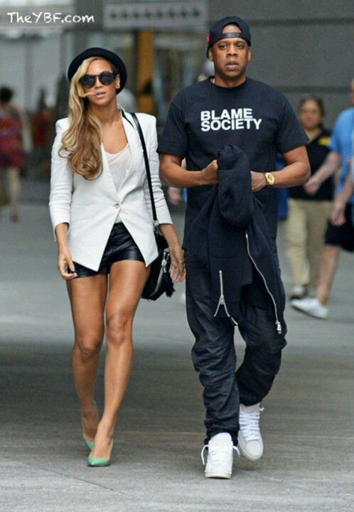 f9342ded8ed1dc Beyonce and  Jayz walking around NYC  Queenbey  Carters