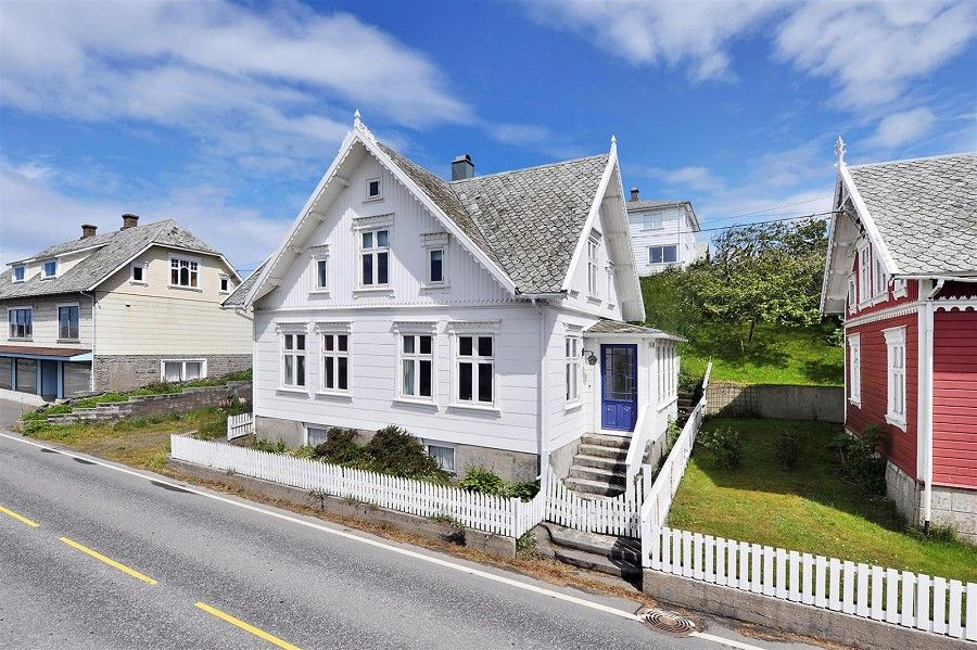 Amazing house for sale farsund borhaug norway folk for Amazing dream houses