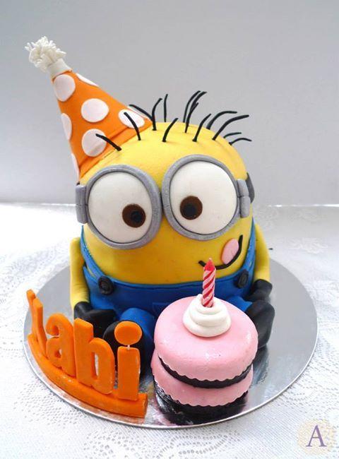 Stupendous Minions Cake Design Minion Cake To Celebrate Xabis Birthday Funny Birthday Cards Online Elaedamsfinfo