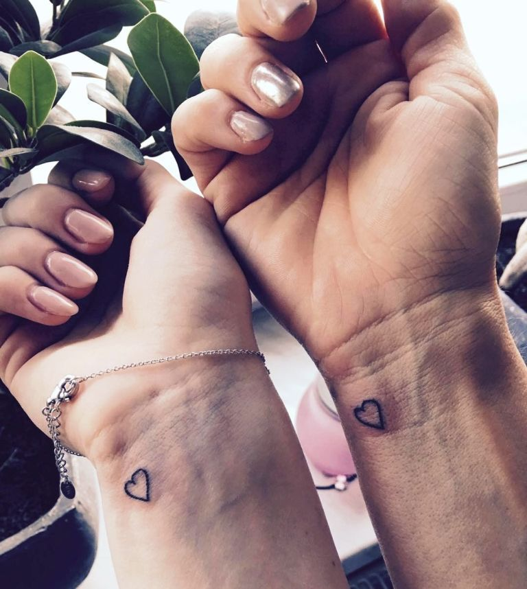 30 Awesome Mother Daughter Tattoo Ideas For You To Try – Revelationluv