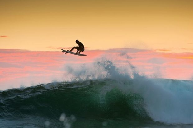 Epic Photos That Will Make You Want To Go Surfing Surfing - 16 epic surfing photos