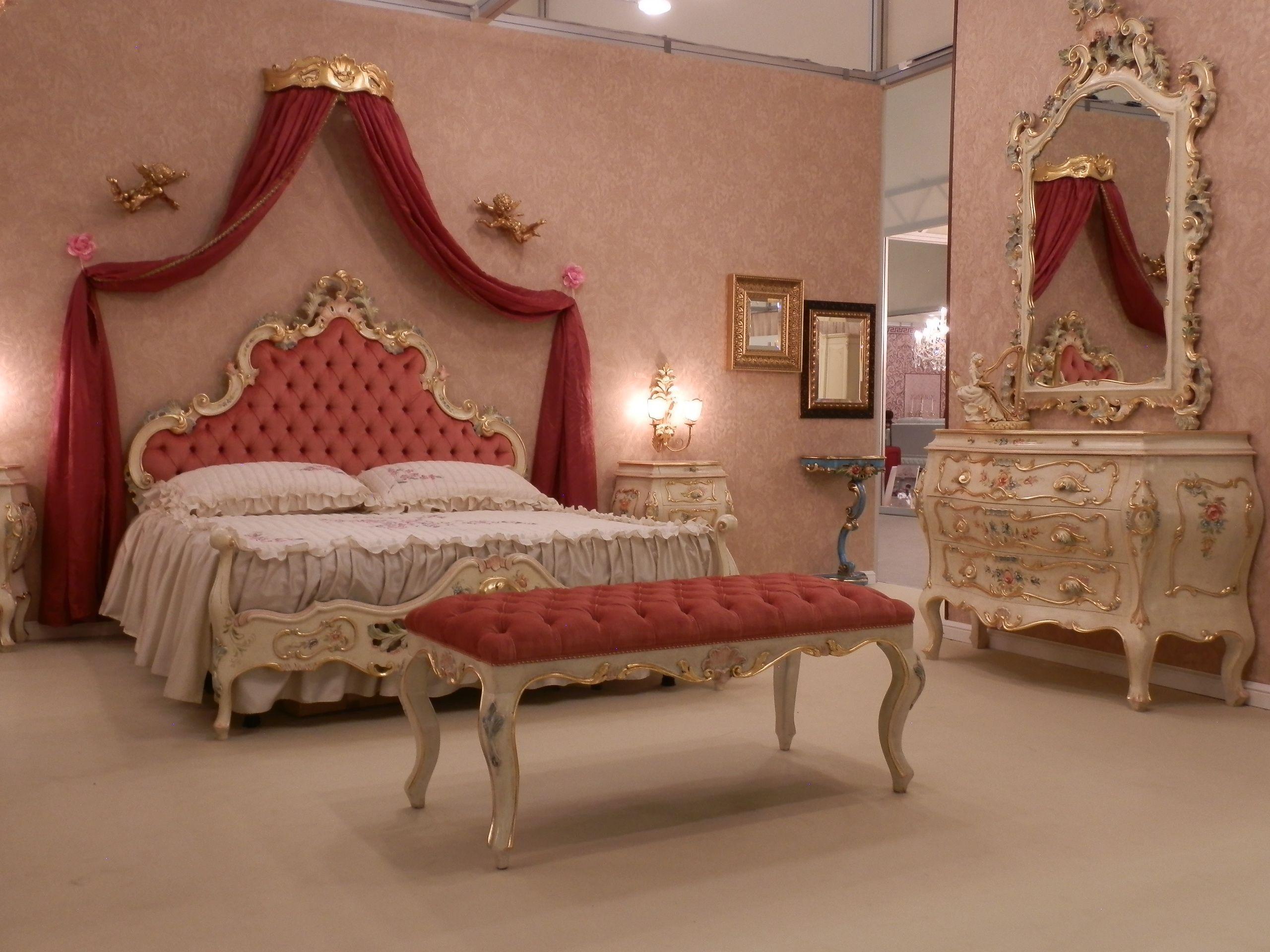 camera da letto perla, tiglio massiccio. #arredamento #classico ... - Arredamento Classico Milano