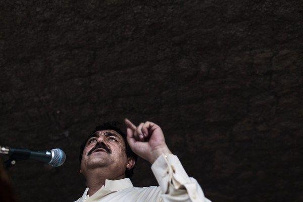 Talibã do Paquistão usa violência para decidir as eleições