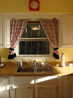 How To Make Kitchen Curtains (Tutorial Long/Photo Heavy)