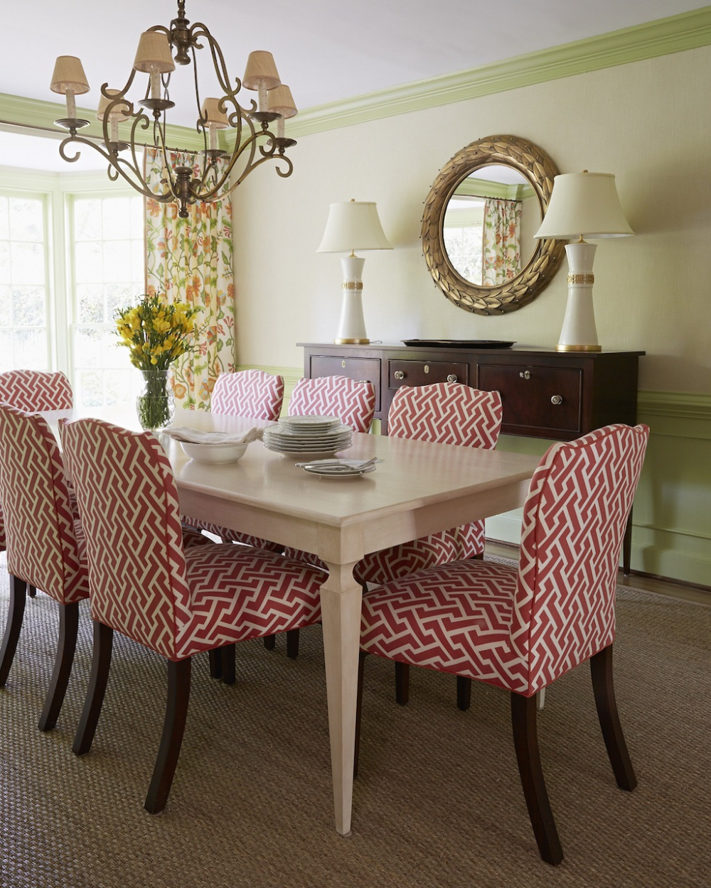 Small Casual Dining Room Ideas: Chinoiserie Design Done Right