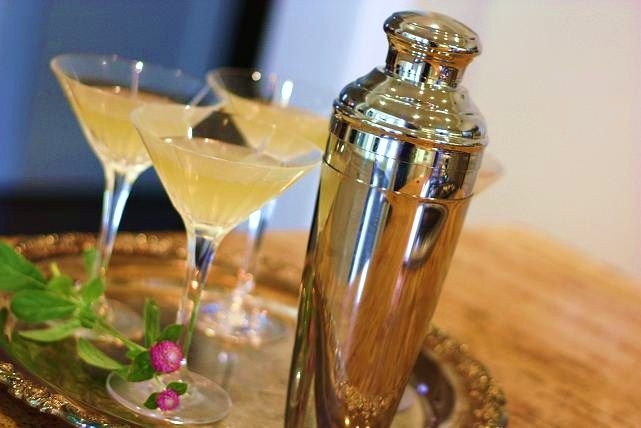 Italian Wedding Cake Martinis My Friend Meg Shared The Recipe And Said They Are Wonderful Wedding Cake Martini Italian Wedding Cakes Wedding Signature Drinks